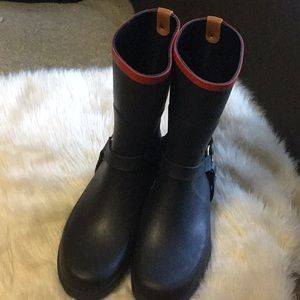 Agile rubber boots NWOB